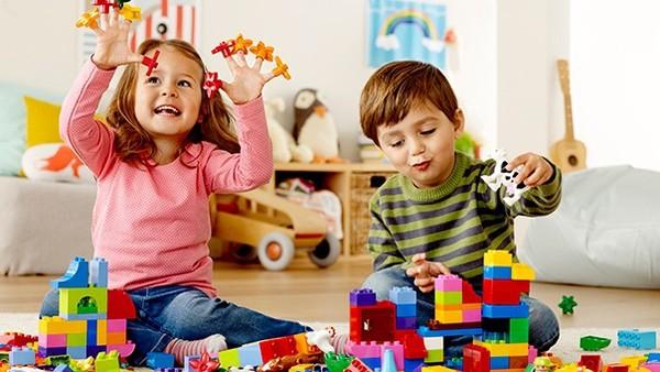 Giáo viên Montessori gợi ý số lượng đồ chơi mà 1 đứa trẻ thực sự cần, mẹ tránh mua quá nhiều gây lãng phí - Ảnh 4.