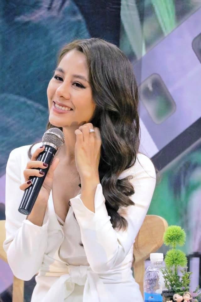 Mặc kệ Cát Tường khóc lóc, Nam Thư chính thức tung chiêu: Vẫn quay Bạn muốn hẹn hò, làm MC mai mối cho 20 cặp  - Ảnh 3.