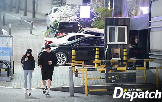 Cận ảnh hình ảnh hẹn hò của So Ji Sub và bạn gái phóng viên: Nam thanh nữ tú bên nhau, không khác gì một bộ phim lãng mạn - Ảnh 8.