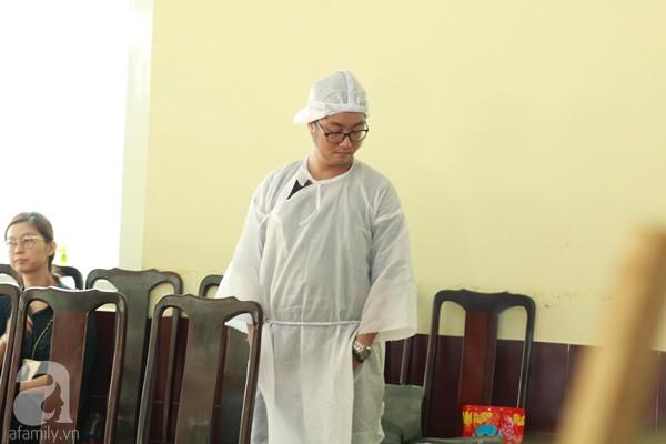 Con đầu qua đời vì tai nạn, hậu sự của nghệ sĩ Lê Bình đều do cậu con út lo liệu - Ảnh 5.