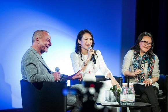 Bị hỏi khó về chuyện giật vai với Triệu Vy, Phạm Băng Băng, Chương Tử Di đã có câu trả lời cực chất bên lề LHP Cannes - Ảnh 1.