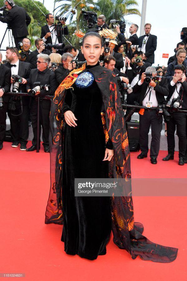 Sau Ngọc Trinh, đến lượt Trương Thị May xuất hiện trên thảm đỏ Cannes khiến truyền thông quốc tế náo loạn  - Ảnh 2.