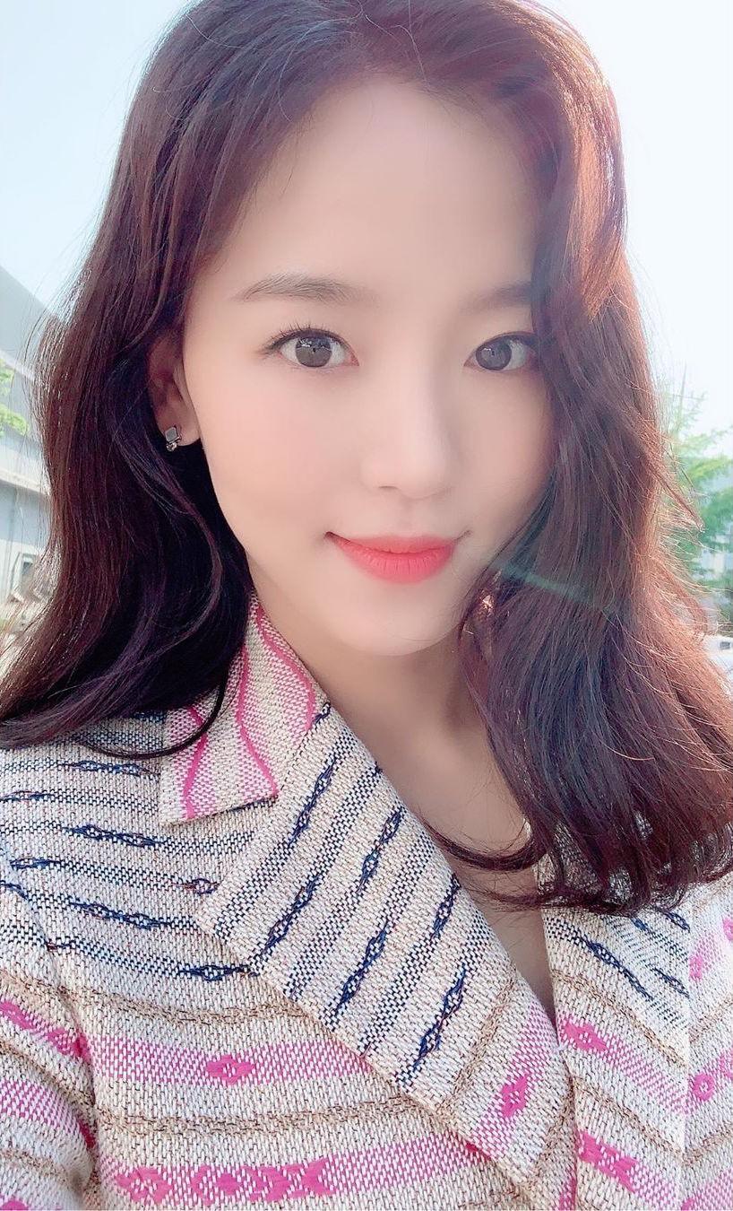 Nhiều lần phủ nhận, mỹ nhân Hoa hậu Hàn bị bắt gặp sang hẳn Thượng Hải hẹn hò, vào khách sạn với tài tử xứ Đài? - Ảnh 5.
