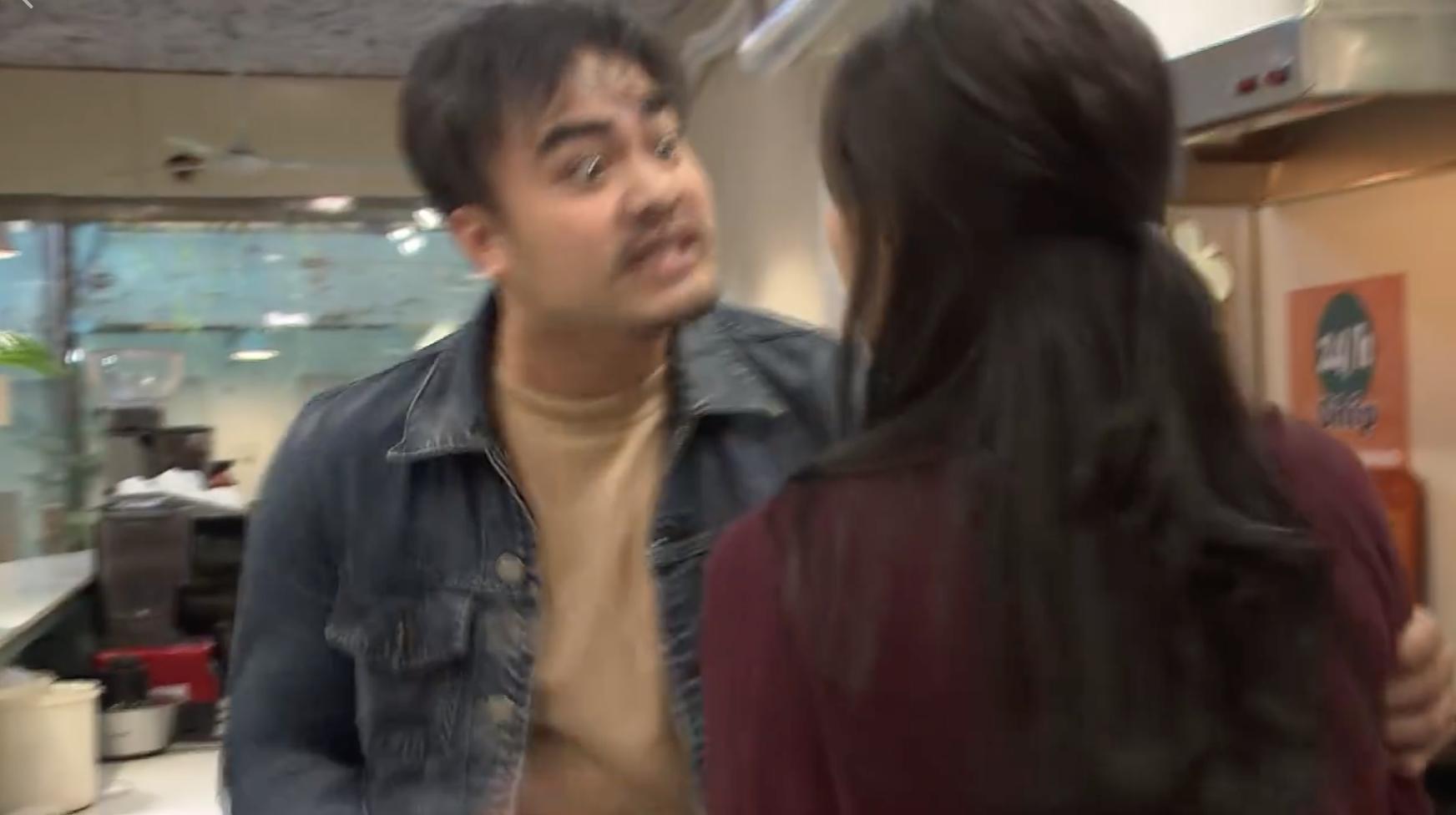 Về nhà đi con: Xem cảnh Khải cưỡng hôn Huệ vì ghen, khán giả khóc thương cho... anh quay phim - Ảnh 5.