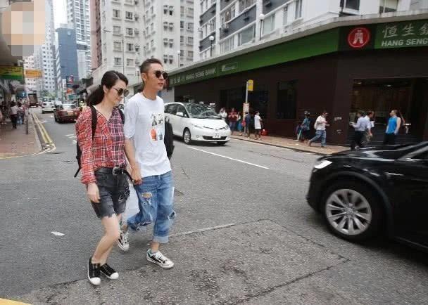 Ngoại tình bung bét, Trương Đan Phong mua siêu xe tặng Hồng Hân để bù đắp  - Ảnh 2.