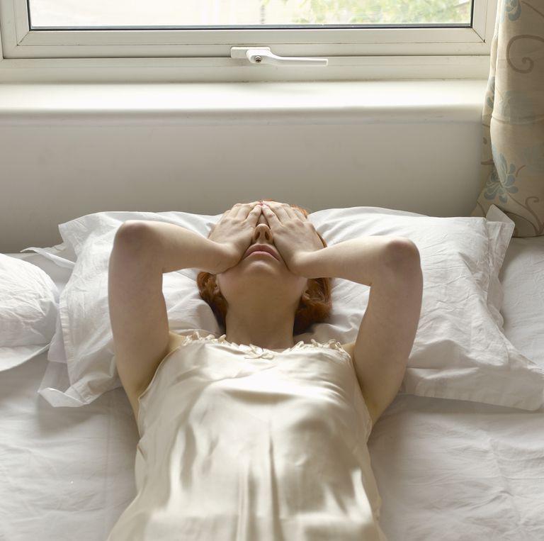 Nguyên nhân khiến bạn thường xuyên đau đầu trong ngày đèn đỏ và cách khắc phục - Ảnh 1.