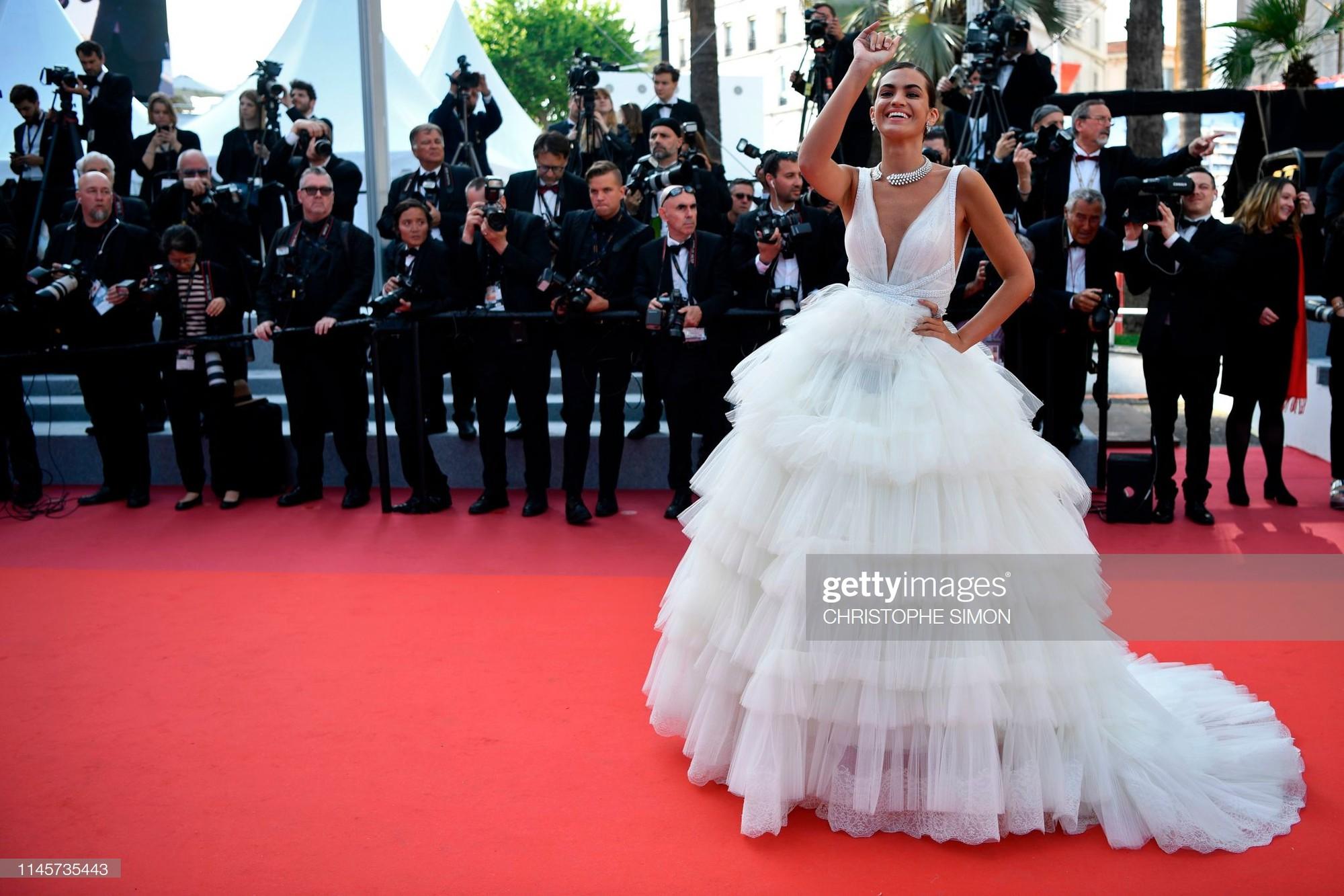 Thảm đỏ Cannes ngày 10: Các người đẹp thả rông ngực, cố tình làm trò lố vẫn bị truyền thông ngó lơ - Ảnh 12.