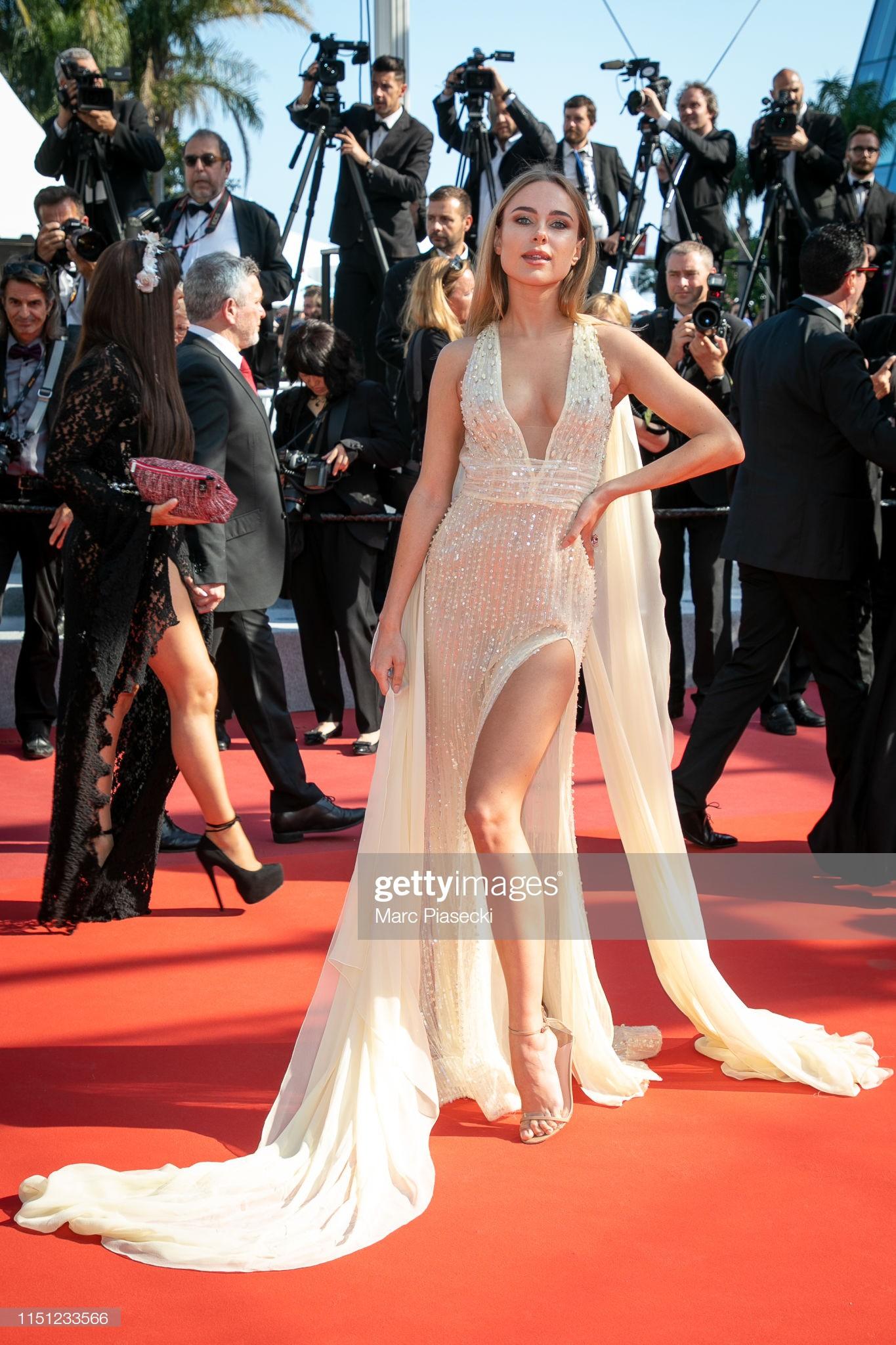 Thảm đỏ Cannes ngày 10: Các người đẹp thả rông ngực, cố tình làm trò lố vẫn bị truyền thông ngó lơ - Ảnh 3.