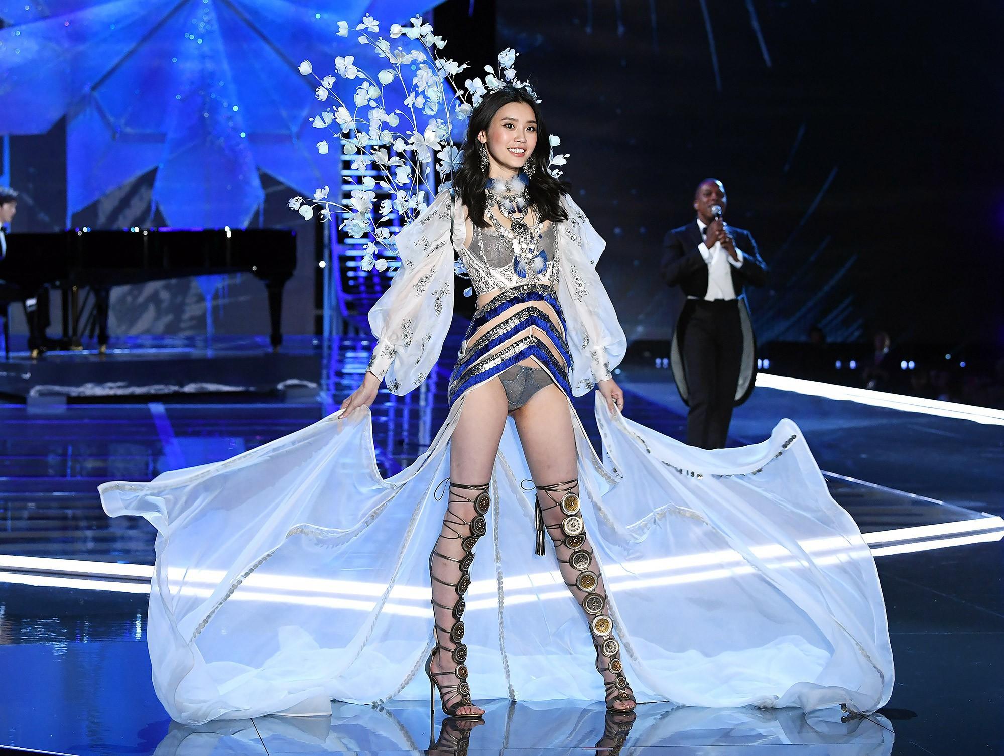 Chân dài Victoria's Secret lần đầu nói về màn cầu hôn khoa trương, không hài lòng điểm này ở thiếu gia tỷ đô - Ảnh 9.