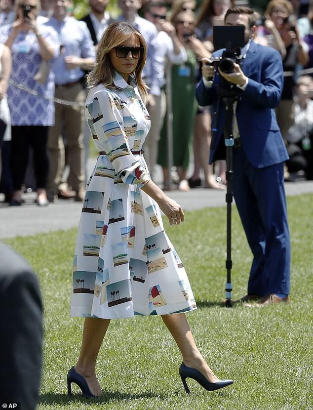 Đệ nhất phu nhân Mỹ gây sốt truyền thông khi thể hiện tình cảm với ông Trump và tái hiện lại khoảnh khắc ấn tượng này của Công nương Diana quá cố - Ảnh 2.