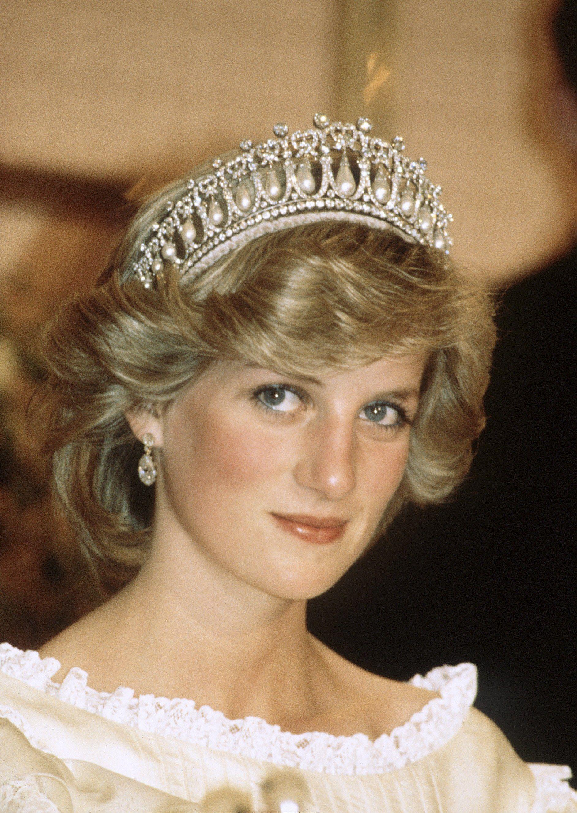 Đằng sau nhan sắc cùng khí chất hơn người của Công nương Diana lại là 5 tips làm đẹp đơn giản, ai cũng học được - Ảnh 1.