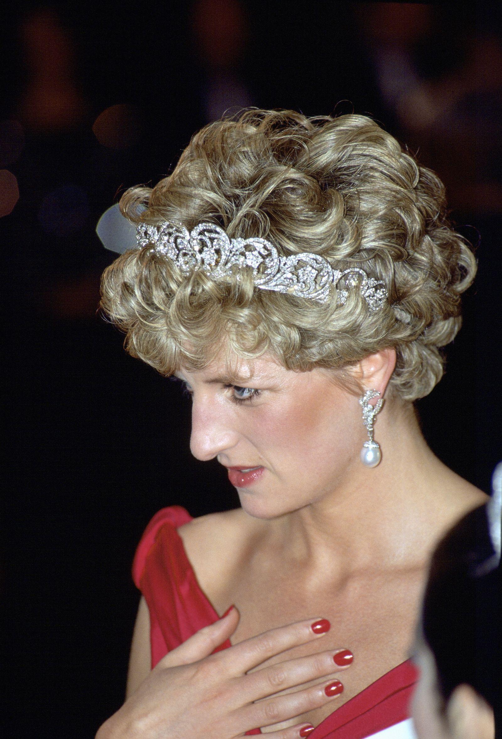 Đằng sau nhan sắc cùng khí chất hơn người của Công nương Diana lại là 5 tips làm đẹp đơn giản, ai cũng học được - Ảnh 4.