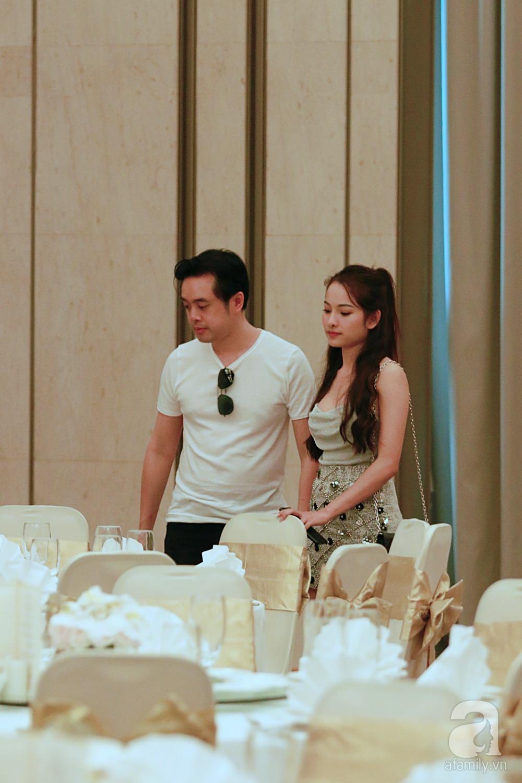 Hot: Dương Khắc Linh cùng vợ sắp cưới khoác vai, công khai ôm hôn tình tứ trước ngày lên xe hoa - Ảnh 6.