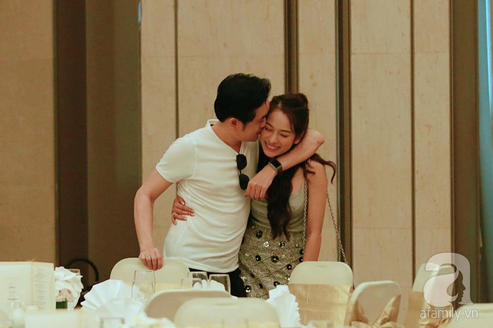 Hot: Dương Khắc Linh cùng vợ sắp cưới khoác vai, công khai ôm hôn tình tứ trước ngày lên xe hoa - Ảnh 9.