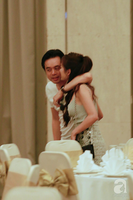 Hot: Dương Khắc Linh cùng vợ sắp cưới khoác vai, công khai ôm hôn tình tứ trước ngày lên xe hoa - Ảnh 11.