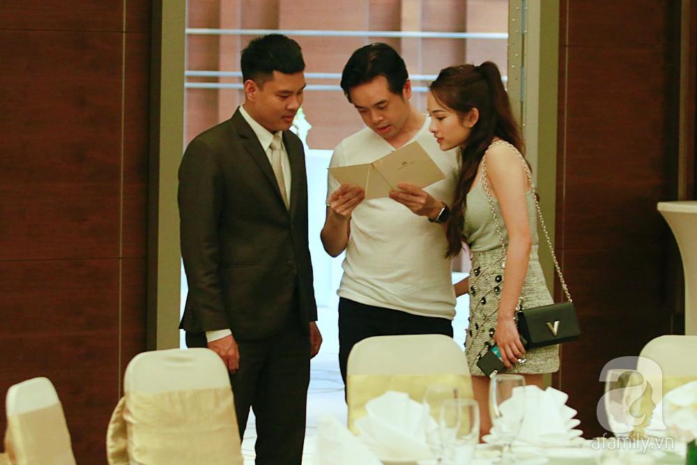 Hot: Dương Khắc Linh cùng vợ sắp cưới khoác vai, công khai ôm hôn tình tứ trước ngày lên xe hoa - Ảnh 12.