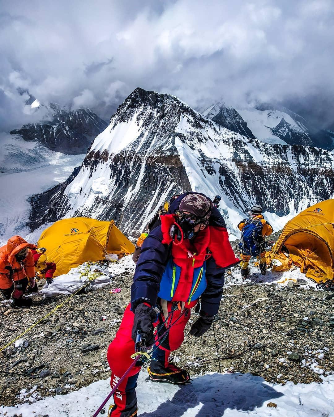 2 nữ du khách thiệt mạng trong lúc chinh phục đỉnh Everest: Biết nguyên nhân xong bạn sẽ rút ra bài học cho mình trong quá trình trekking - Ảnh 3.