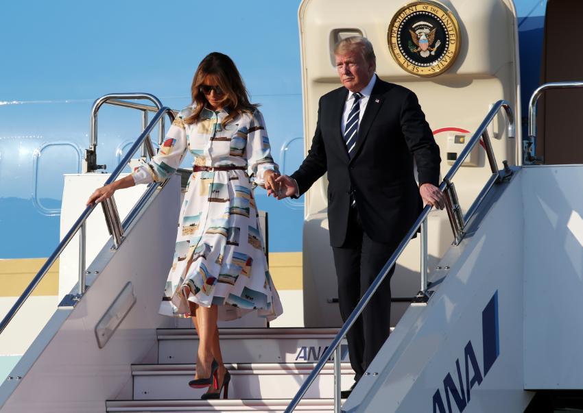 Đệ nhất phu nhân Mỹ gây sốt truyền thông khi thể hiện tình cảm với ông Trump và tái hiện lại khoảnh khắc ấn tượng này của Công nương Diana quá cố - Ảnh 5.