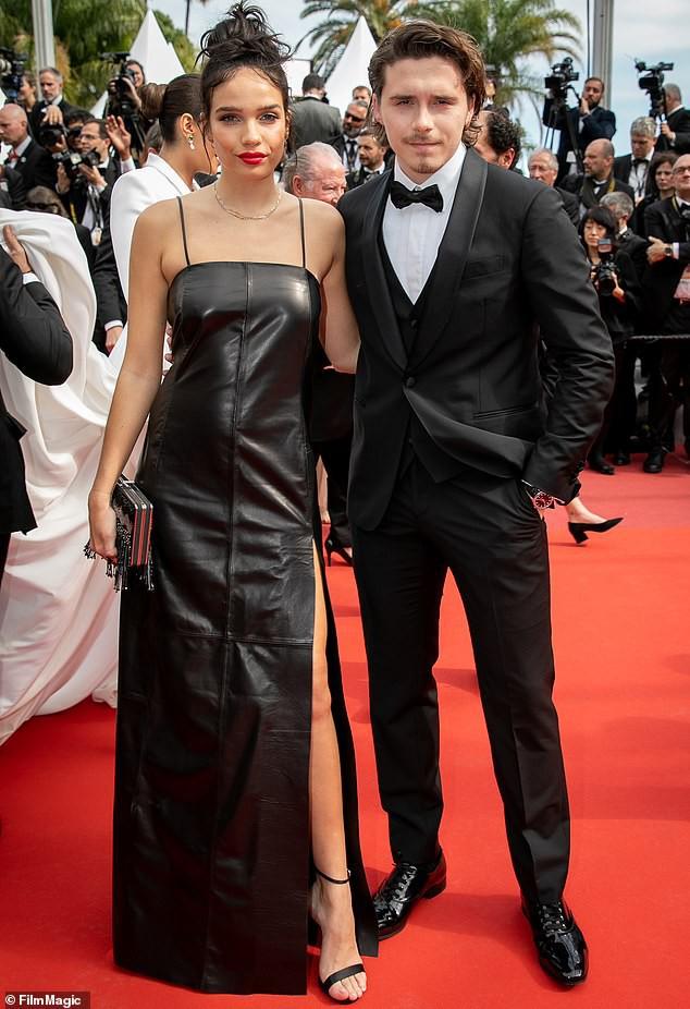 Cậu cả nhà David Beckham ôm hôn bạn gái nồng nhiệt sau nghi vẫn mâu thuẫn tại Cannes 2019 - Ảnh 5.