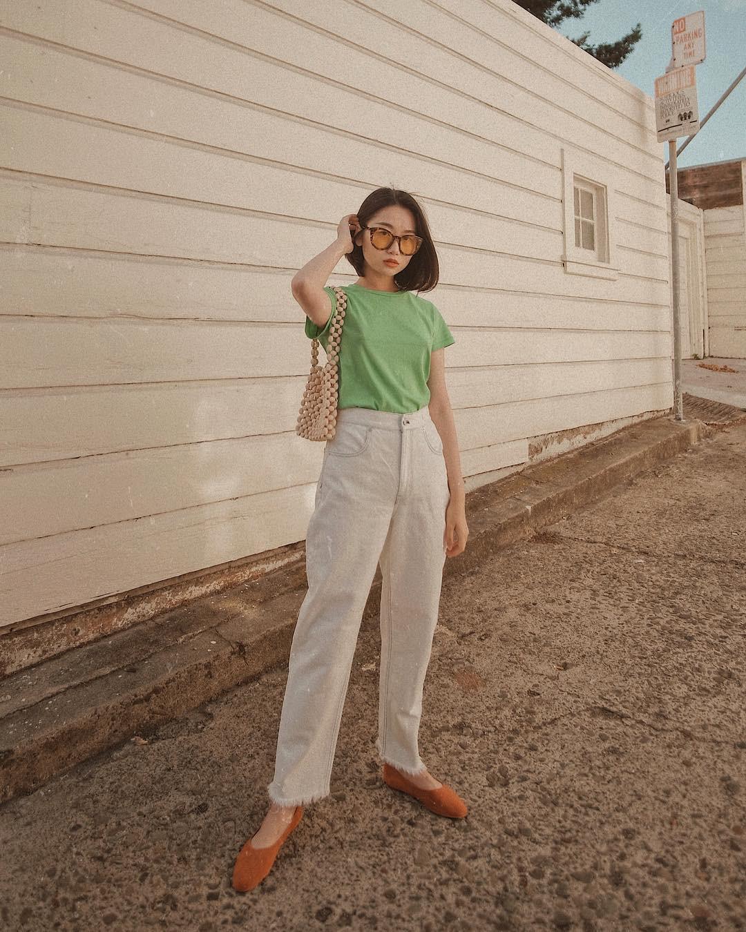 Bảo chứng cho vẻ sành điệu là combo áo phông – quần jeans với 15 ý tưởng diện mãi không biết chán này  - Ảnh 4.