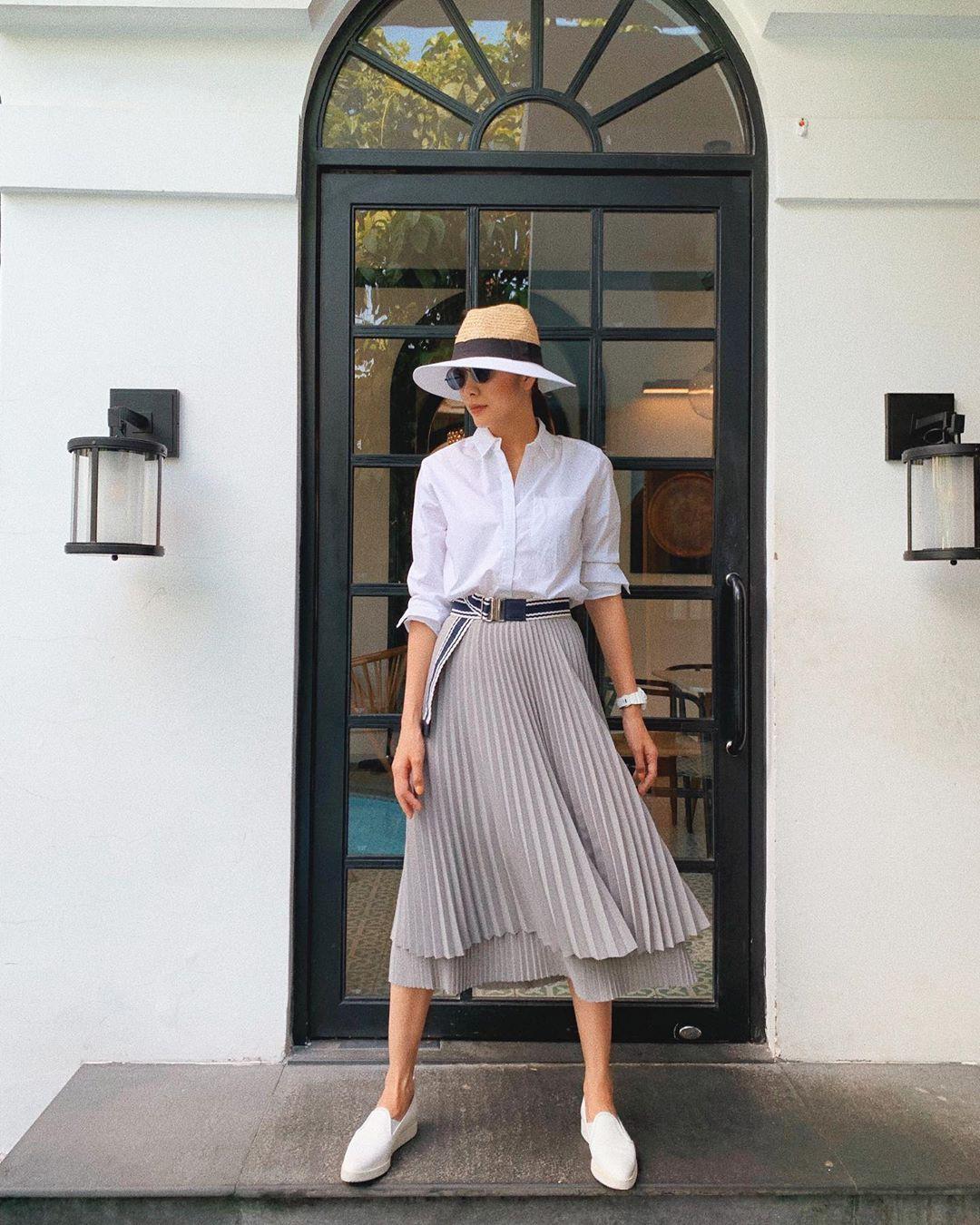 Chân váy xếp ly vẫn chưa hạ nhiệt: Được các sao nữ nổi tiếng mặc đẹp mê tít, mix&match bao kiểu tuyệt xinh - Ảnh 3.