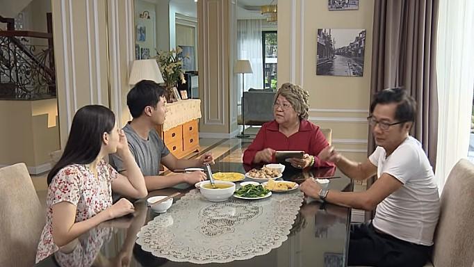 Nàng dâu order: Cứ tưởng phim sắp nhạt thì lại xuất hiện câu nói siêu mặn của bà nội, nghe xong cấm cười! - Ảnh 1.
