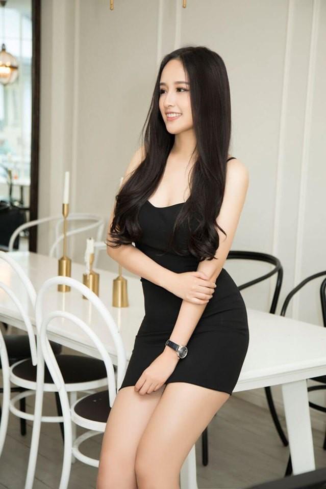 Hoa hậu Mai Phương Thúy stress nặng sau màn lộ vóc dáng đồ sộ và vòng 1 siêu khủng trên truyền hình - Ảnh 1.