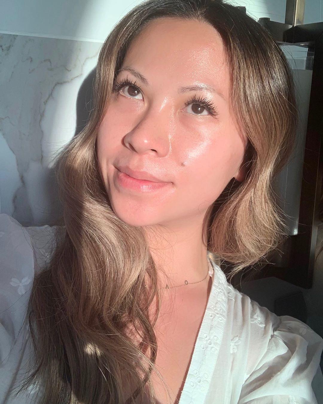 Làn da căng bóng như gương trong truyền thuyết hoàn toàn là khả thi nếu bạn học theo 4 bí kíp này của chuyên gia makeup gốc Việt - Ảnh 4.