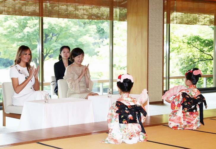 Không phải Hoàng hậu Masako, đây mới là người phụ nữ quyền lực được truyền thông và dân chúng ca ngợi khi tiếp đón Đệ nhất phu nhân Mỹ tới Nhật Bản - Ảnh 4.