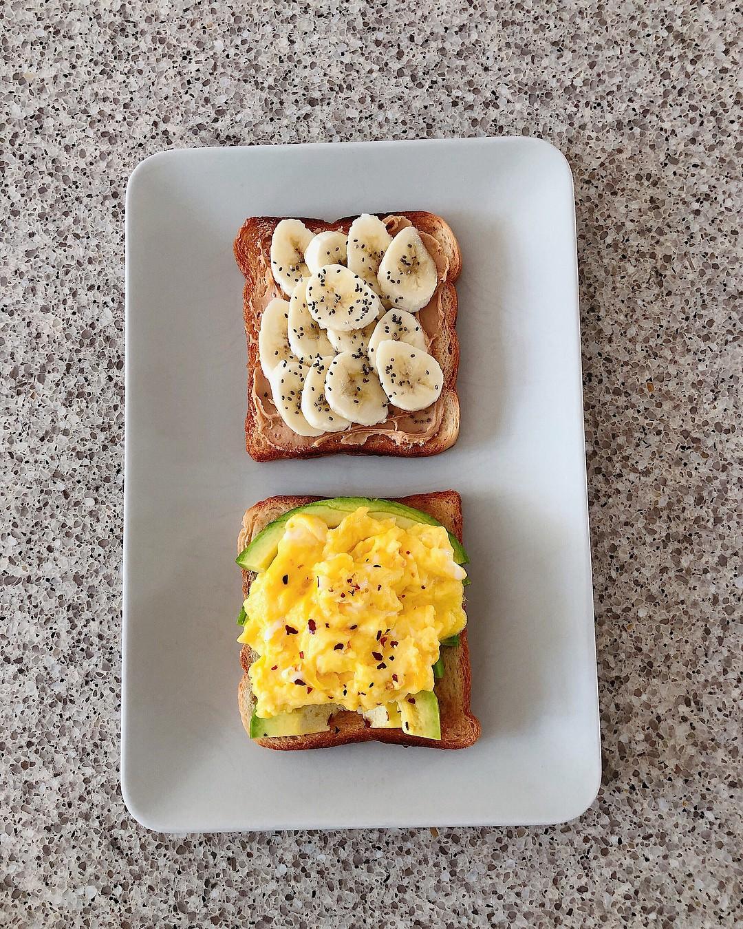 Học theo thực đơn bữa sáng nhanh gọn với quả bơ của Hà Tăng để giúp giữ dáng, đẹp da  - Ảnh 3.