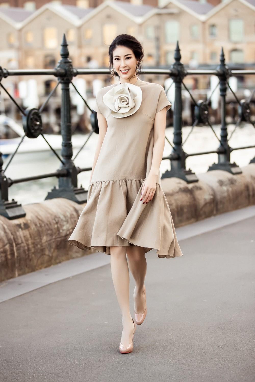 Hoa hậu Hà Kiều Anh trẻ trung thu hút với tông nâu nhạt quý phái - Ảnh 5.