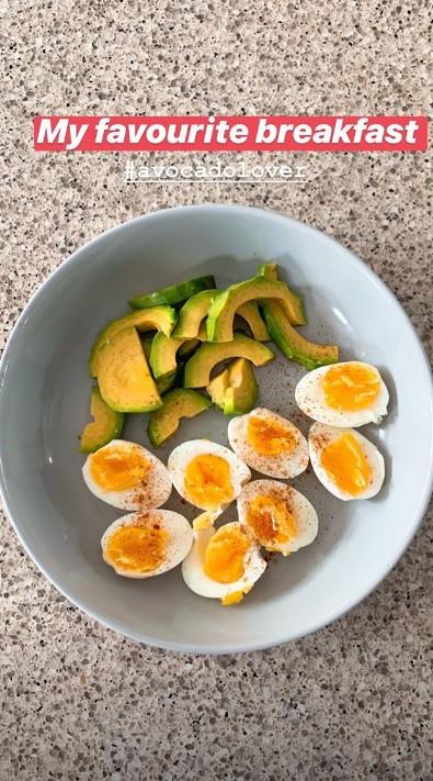 Học theo thực đơn bữa sáng nhanh gọn với quả bơ của Hà Tăng để giúp giữ dáng, đẹp da  - Ảnh 6.