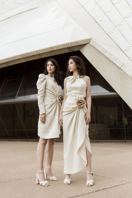 Chị em Hoa hậu Mỹ Linh - Tiểu Vy khiến ai cũng ngoái nhìn khi cùng dạo bước trên đường phố Sydney  - Ảnh 3.