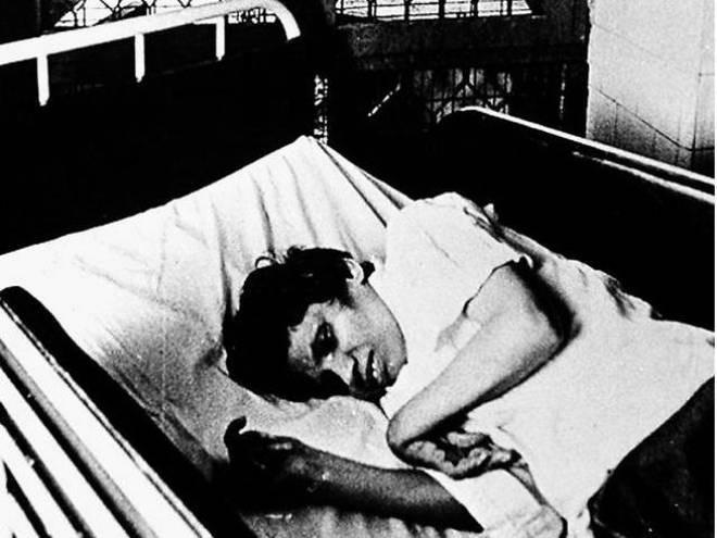 Người phụ nữ bị cưỡng bức đến sống thực vật 42 năm: Không giành được cái chết nhân đạo cho mình nhưng thay đổi cả luật pháp đất nước - Ảnh 4.