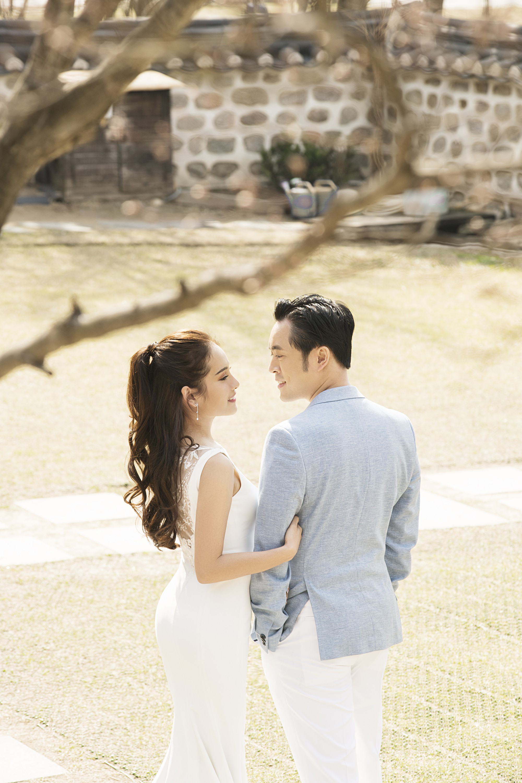 Ảnh cưới đẹp như phim chụp tại Hàn Quốc của Dương Khắc Linh và vợ trẻ kém 13 tuổi - Ảnh 6.