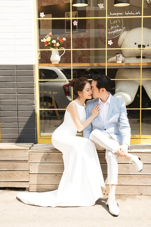 Ảnh cưới đẹp như phim chụp tại Hàn Quốc của Dương Khắc Linh và vợ trẻ kém 13 tuổi - Ảnh 9.