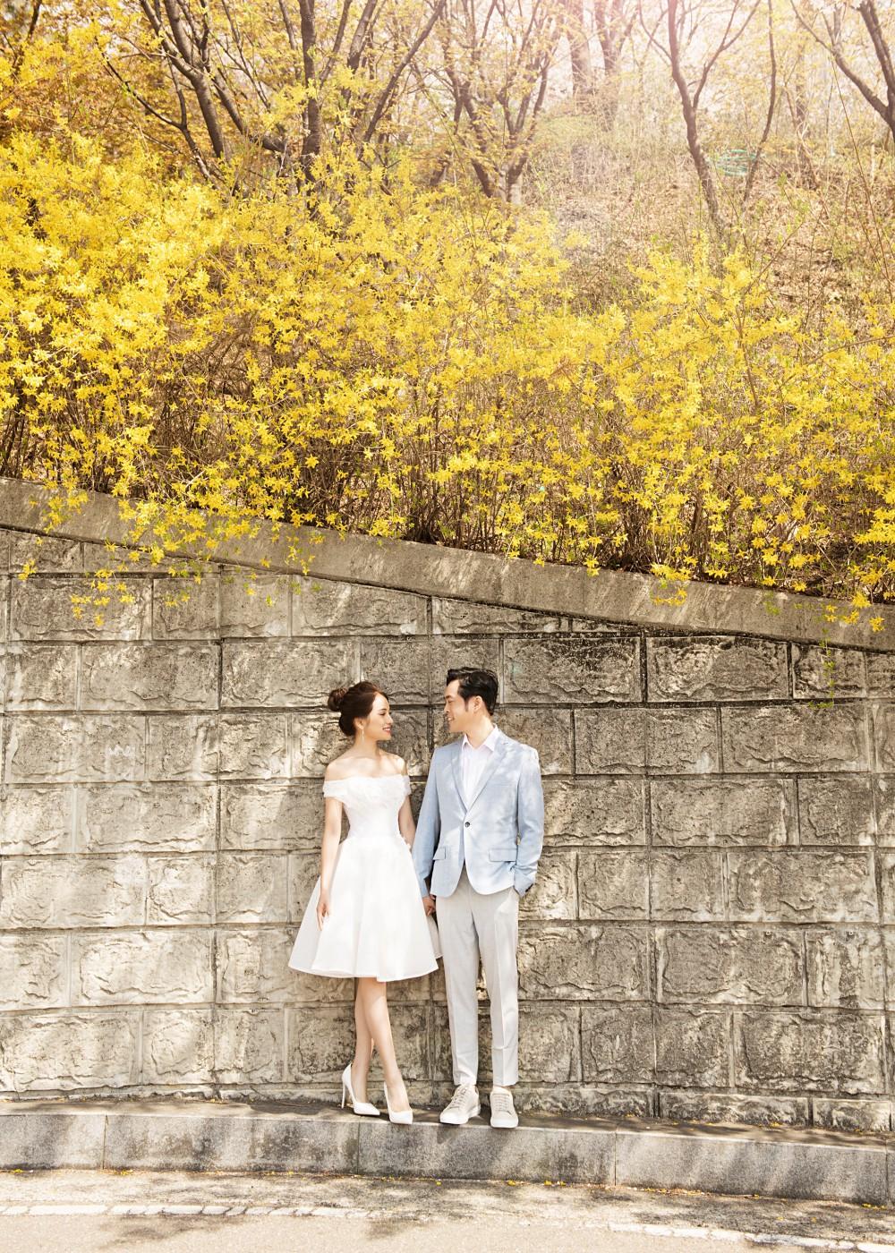 Ảnh cưới đẹp như phim chụp tại Hàn Quốc của Dương Khắc Linh và vợ trẻ kém 13 tuổi - Ảnh 11.