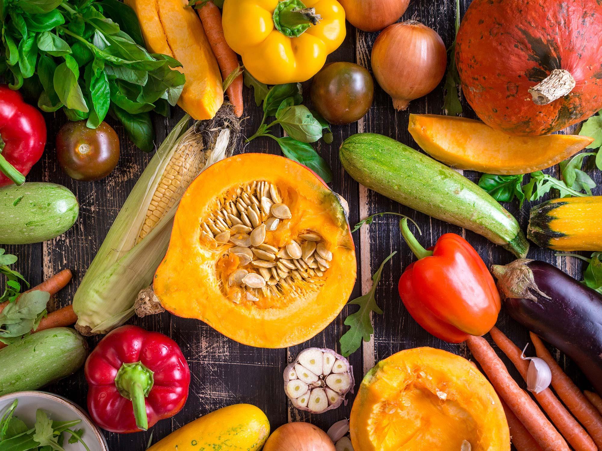 Sửng sốt: Tưởng cứ ăn nhiều rau củ quả sẽ giảm cân nhưng vẫn có loại khiến chị em béo lên đây này! - Ảnh 1.