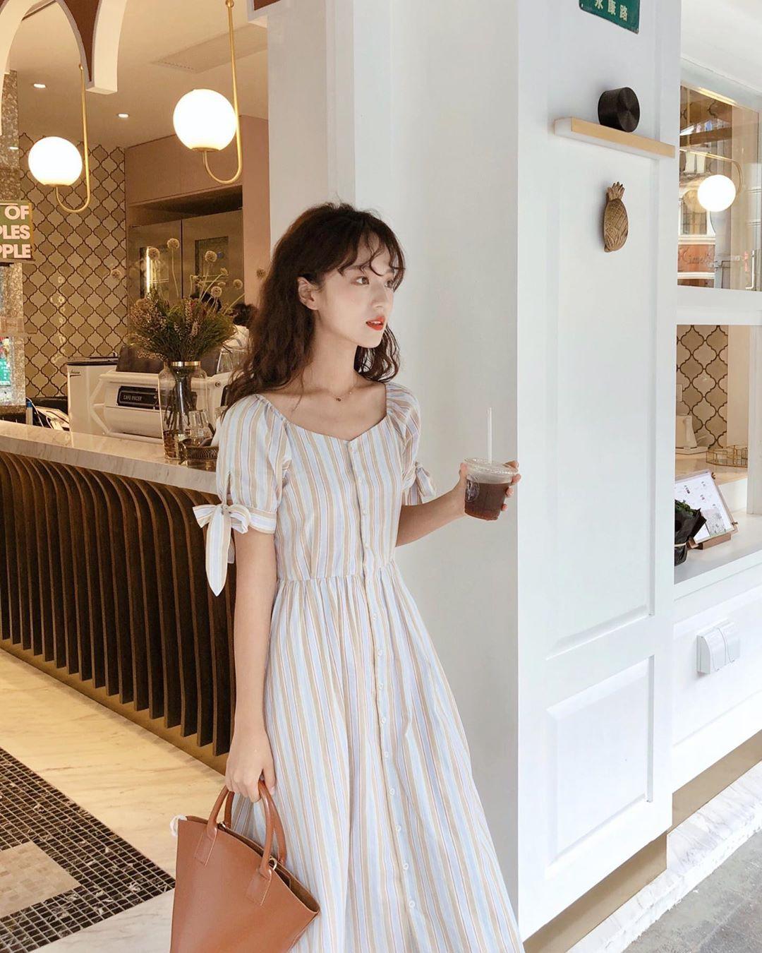 Nô nức diện váy thô mùa hè cho mát, muốn mặc đẹp hãy tham khảo 15 bộ đồ từ street style Châu Á này - Ảnh 11.