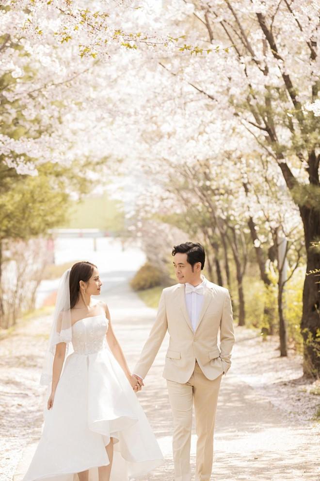 Dương Khắc Linh chịu chi cho đám cưới với ca sĩ trẻ kém 13 tuổi như thế nào? - Ảnh 4.