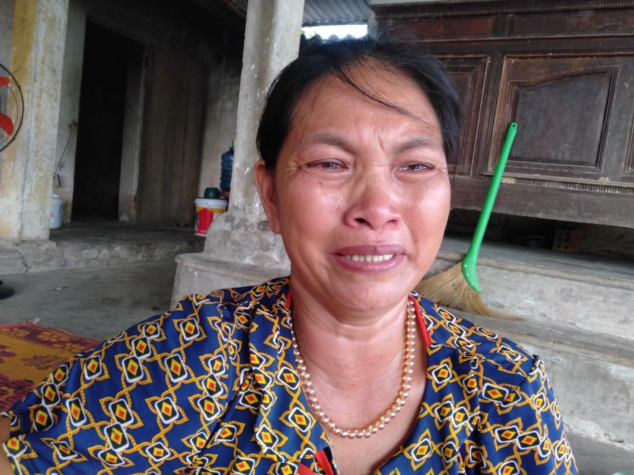 Không cam chịu con gái 3 tuổi chết mòn vì bệnh tật, vợ chồng nghèo sang Lào nhặt phế liệu kiếm tiền chữa bệnh cho con - Ảnh 6.