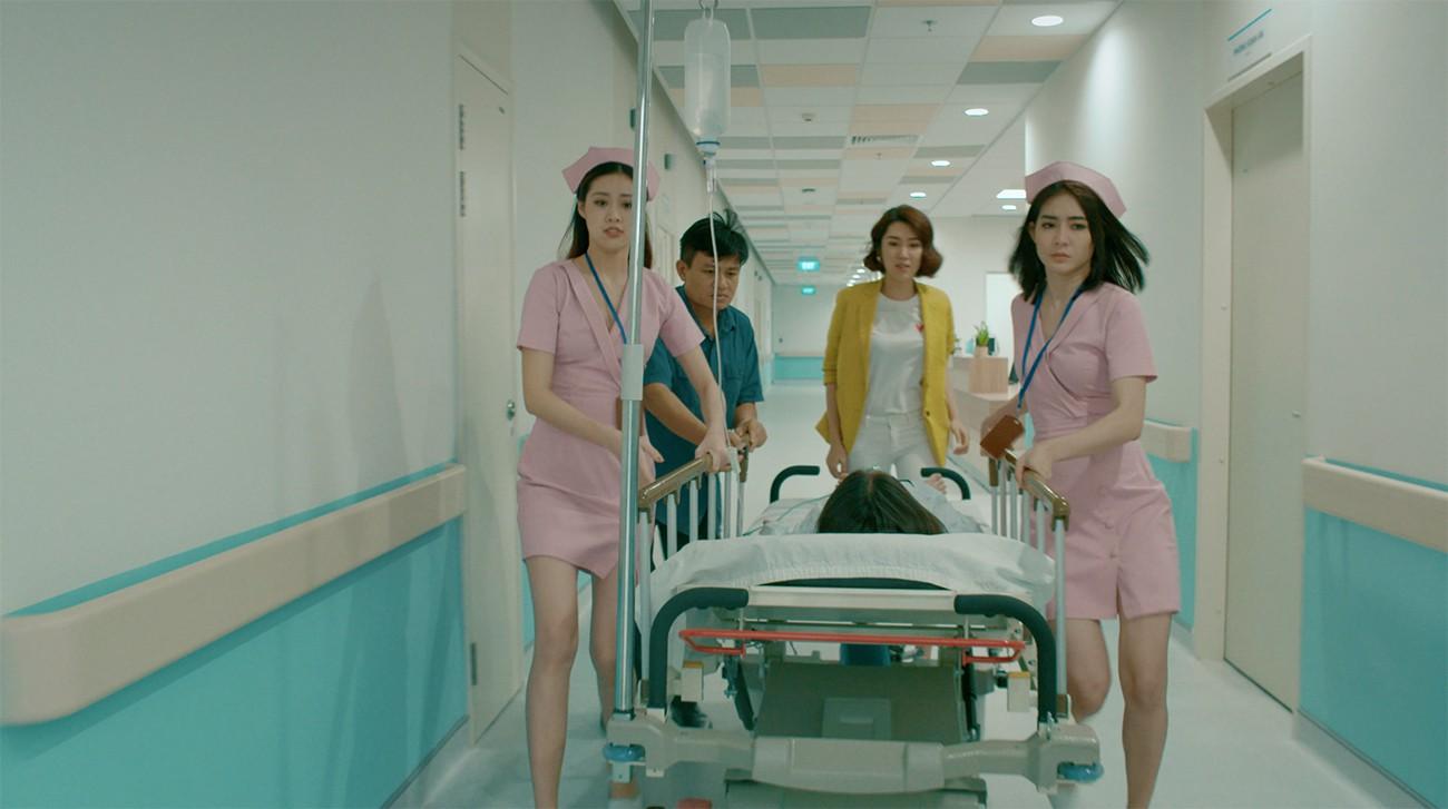 Thúy Ngân đau đầu vì đụng độ Mr. Cần trô Xuân Nghị trong phim về bệnh viện tình yêu  - Ảnh 6.