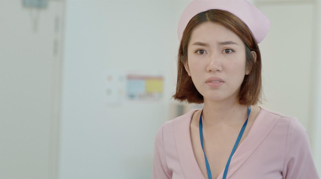 Thúy Ngân đau đầu vì đụng độ Mr. Cần trô Xuân Nghị trong phim về bệnh viện tình yêu  - Ảnh 2.
