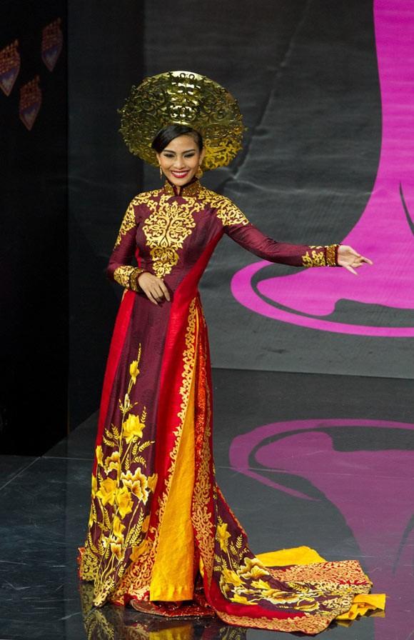 Từ trước khi có cuộc thi thiết kế, phần trang phục dân tộc của đại diện Việt Nam do ai phụ trách?  - Ảnh 6.