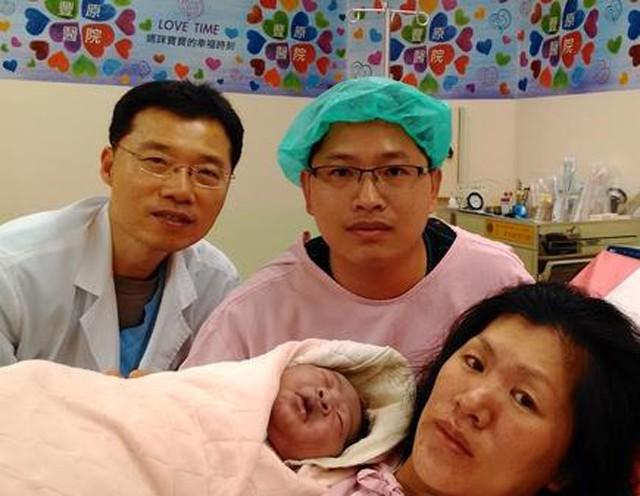 Mẹ bầu ăn uống thiếu khoa học khiến đứa trẻ sinh ra mặt mày bầm tím - Ảnh 2.
