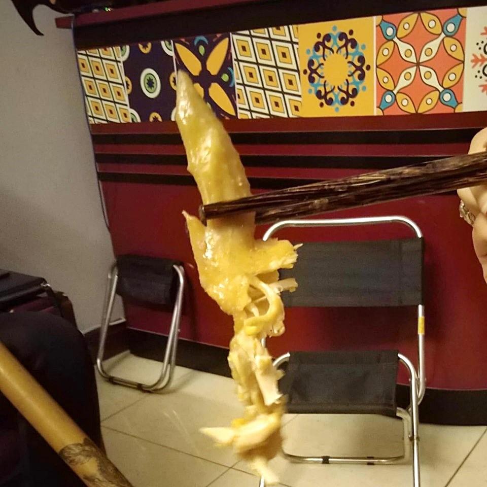 Lại thêm hàng phở nổi tiếng 30 năm phố Quán Thánh bị thực khách tố dùng đũa mốc, rau thối, nhân trộn dính cả ruồi - Ảnh 5.