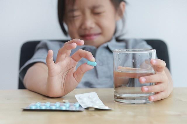 Tại sao phải lạm dụng kháng sinh khi đề kháng da tự nhiên có thể giúp con chống lại vi khuẩn xấu? - Ảnh 1.