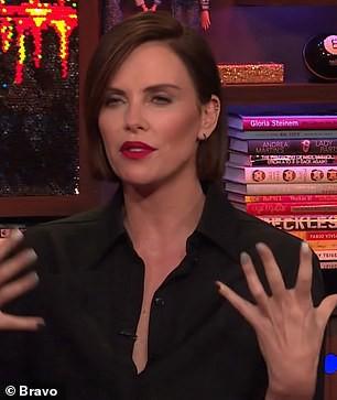 Thực hư về chuyện Charlize Theron hẹn hò với Brad Pitt và thù ghét Angelina Jolie ? - Ảnh 2.