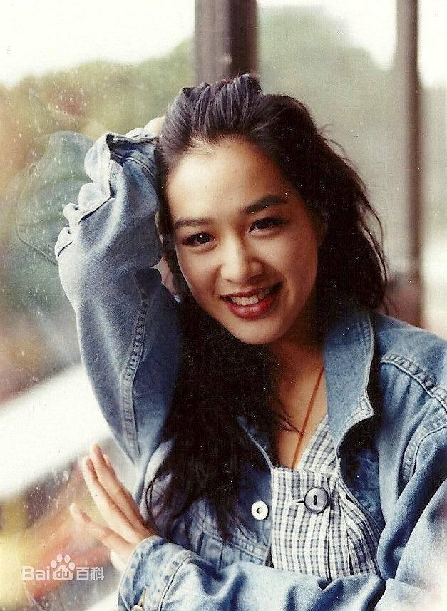 """Ngược dòng thời gian ngắm mỹ nhân gốc Việt từng được mệnh danh là """"quả bom sex"""" của đài TVB - Ảnh 1."""