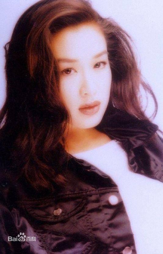 """Ngược dòng thời gian ngắm mỹ nhân gốc Việt từng được mệnh danh là """"quả bom sex"""" của đài TVB - Ảnh 2."""